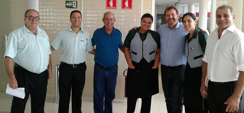 Colônia de Praia Grande recebe visita do prefeito Alberto Mourão