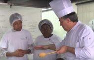 Em parceria com a prefeitura, Escola de Hotelaria do Sinthoresp leva qualificação profissional para Caraguatatuba